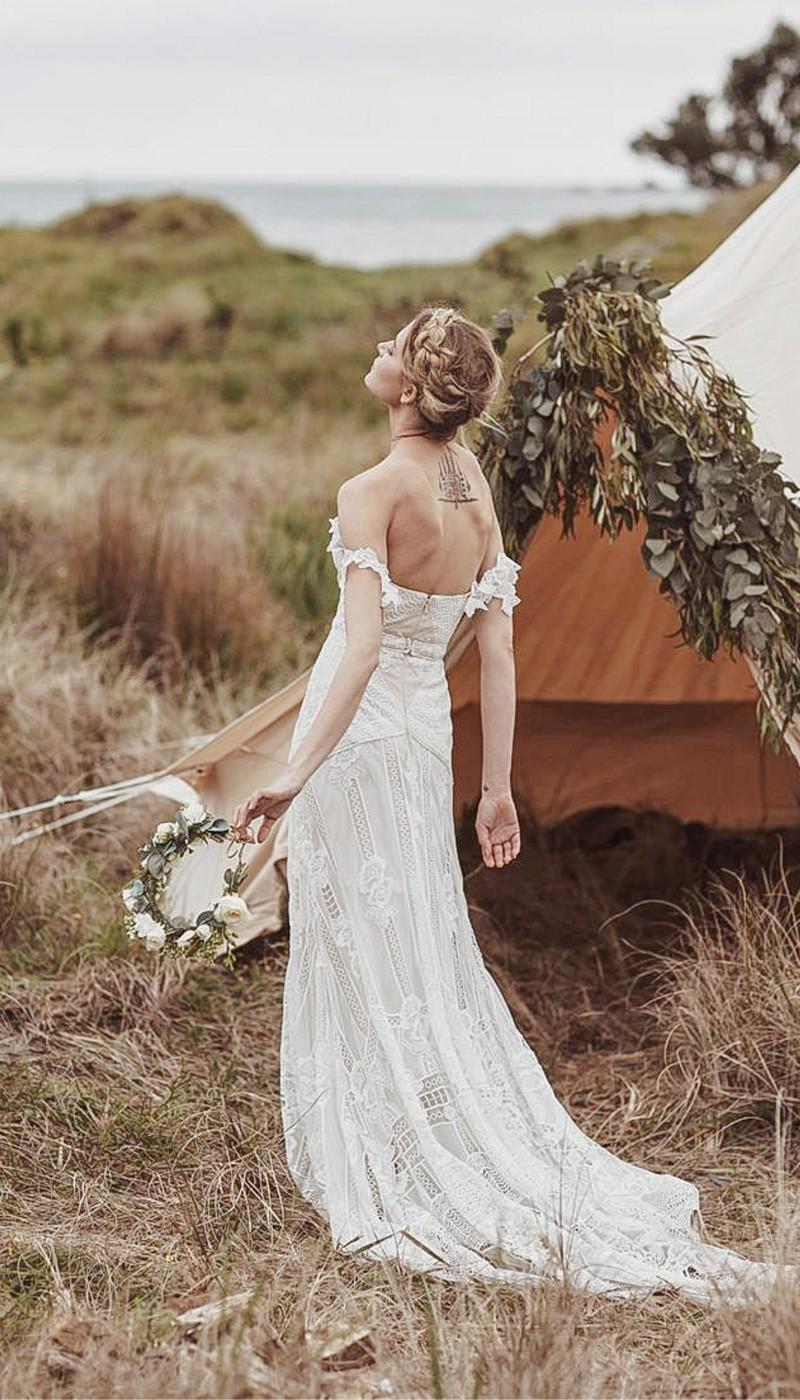 fox-wedding-dress-rue-de-seine - PaperswanBride