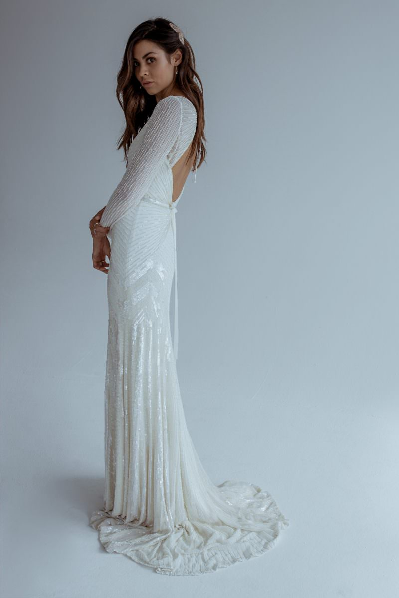 Amazing Swan Wedding Dress Pattern - Womens Dresses & Gowns ...
