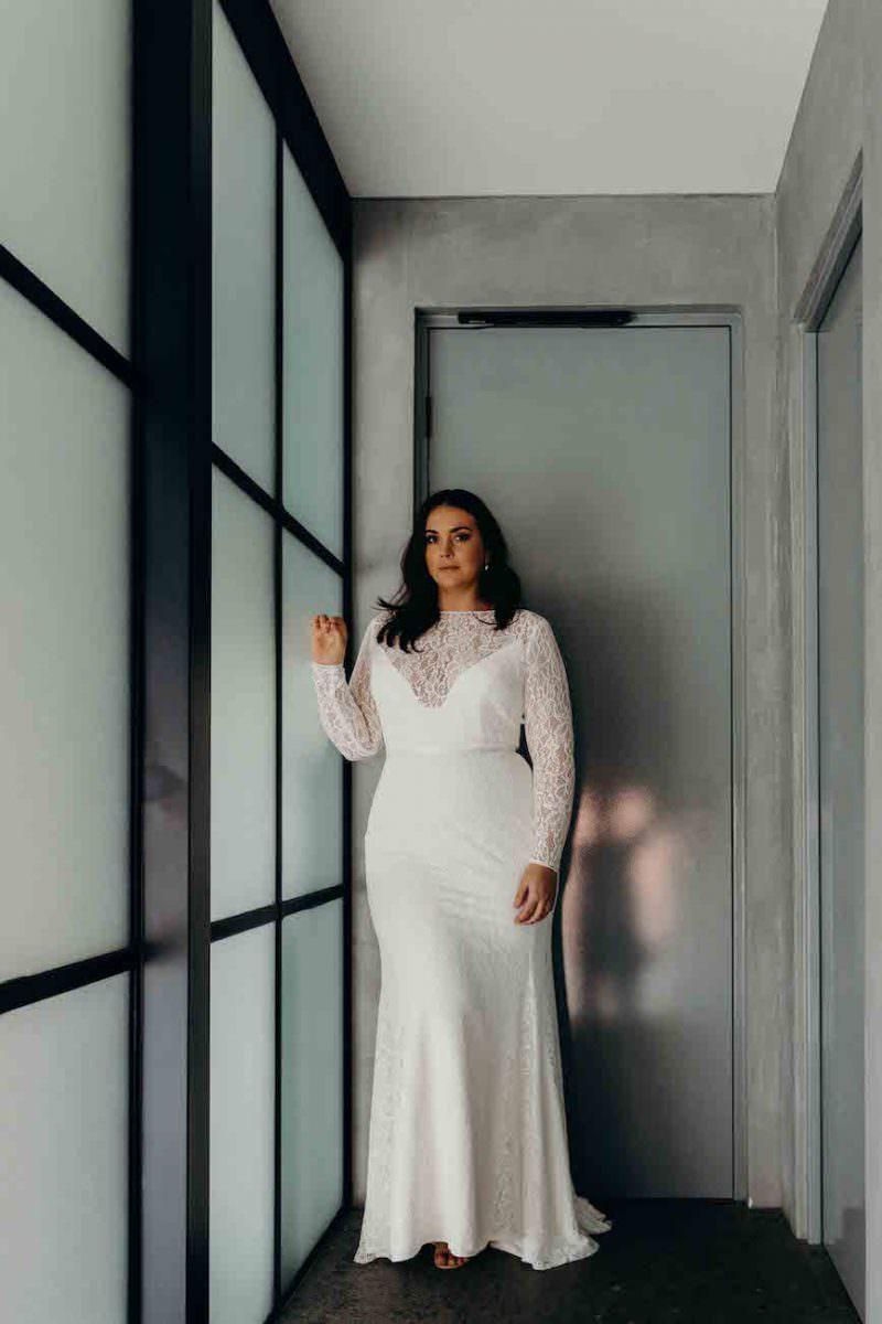 Karen-Willis-Holmes-Karina-Curve-wedding-dress