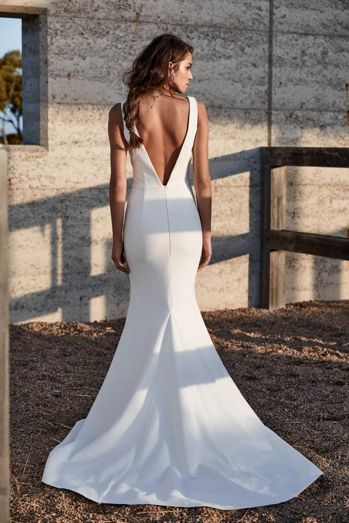 chosen-new-reign-clara-wedding-dress-back-colour