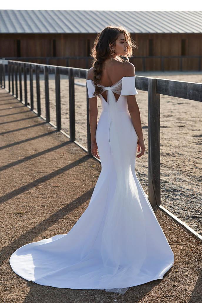 hosen-new-reign-aubrey-wedding-dress-back-colour